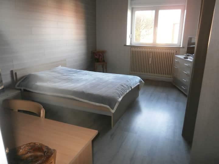 chambre 12 km d' Ornans 31 Pontarlier 33Besançon
