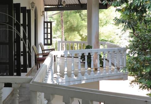 Hotel Breeta's Garden