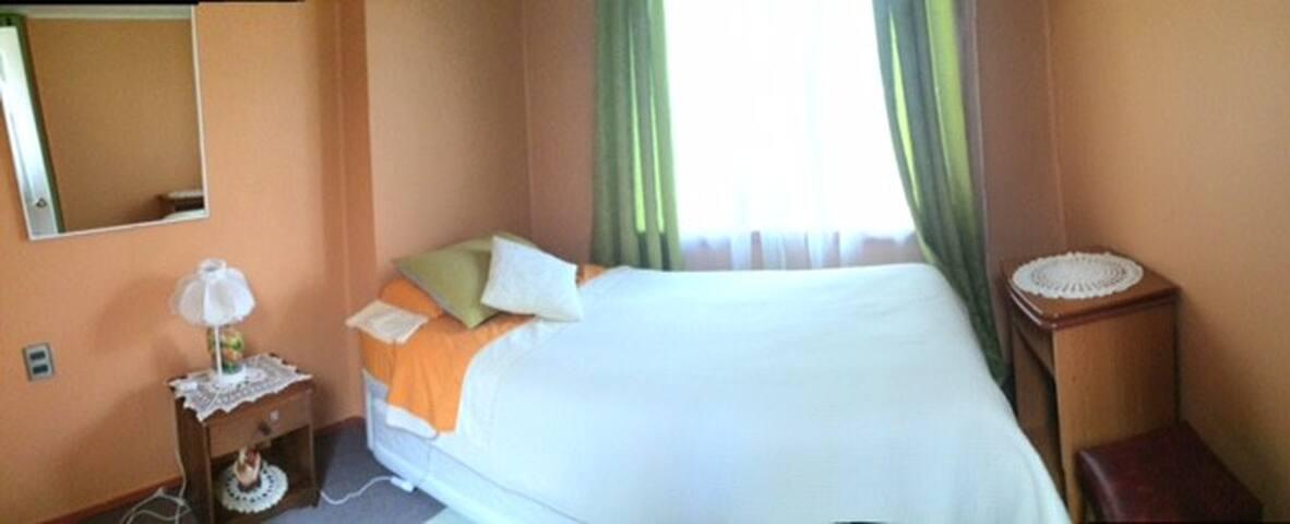cama americana 1 1/2 plaza con una cama nido de 1 plaza