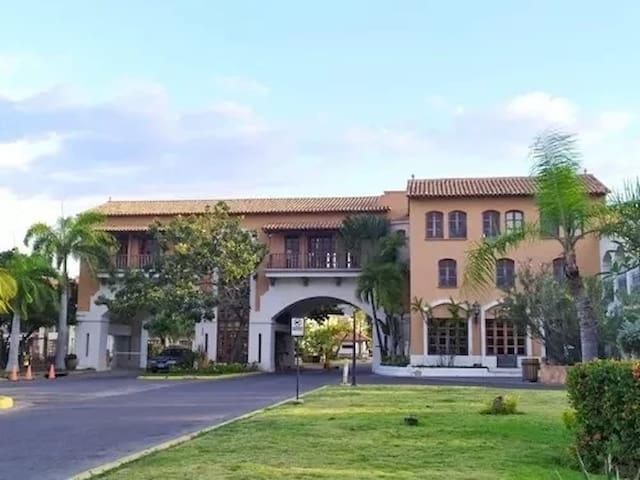 Casa en Exclusiva zona de Pueblo Viejo - Lecherias