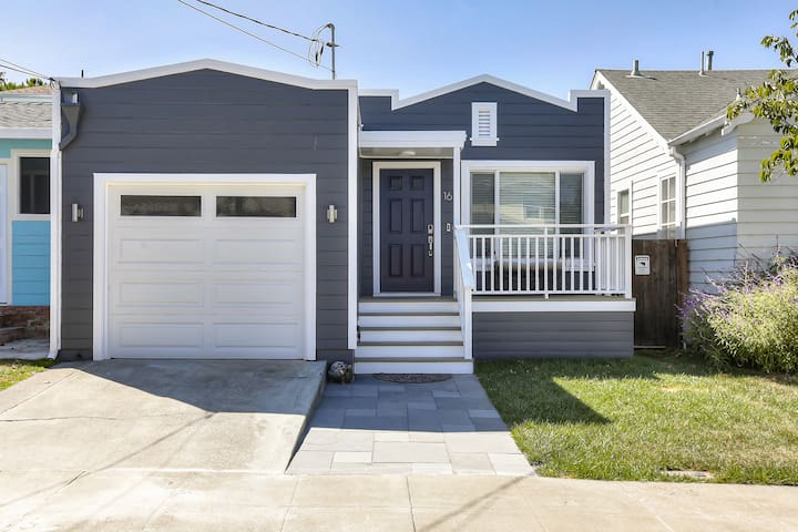 Remodeled 2 bed/2bath HOUSE @ Heart of Peninsula!