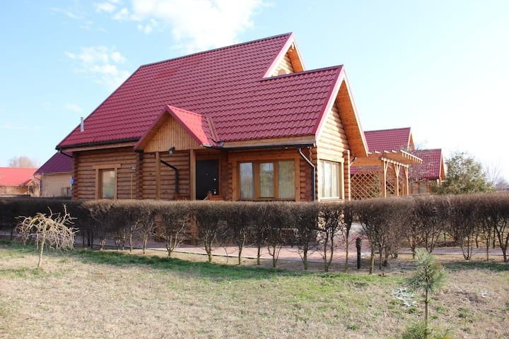 Дом-сруб с видом на реку
