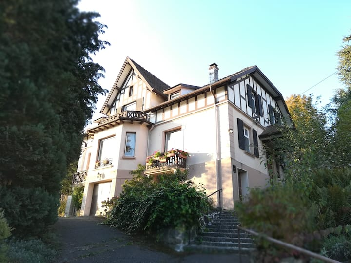 Grande maison familiale de charme 35 min de Colmar