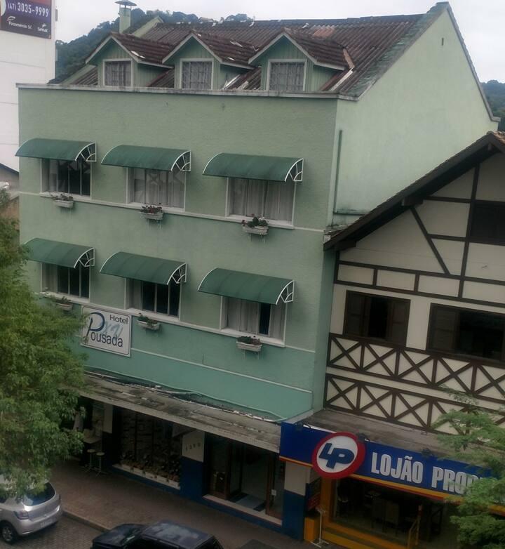 Hotel pousada XV - centro de Blumenau apto 303