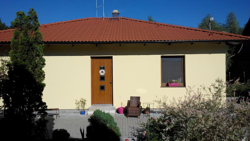 Villa in the countryside, 5 min drive to Pilsen