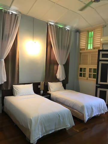 Bangkok Lane My Home Penang [Master Room]