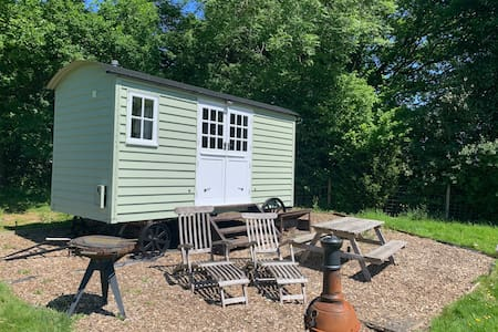 Bucks Green Place Shepherds Hut