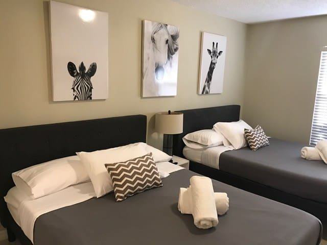Large Room with 2 Beds + Private Bathroom - Orlando - Appartement en résidence