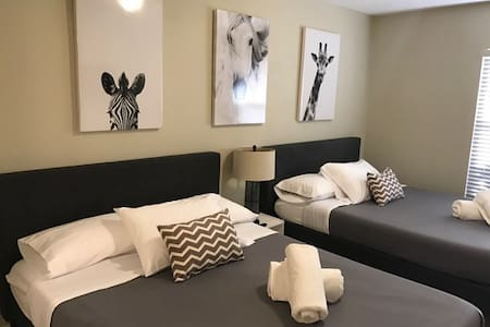 Large Room with 2 Beds + Private Bathroom - Orlando - Osakehuoneisto