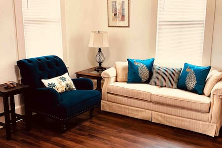 Downtown Lodge - Clean-Pet Friendly-Free Parking