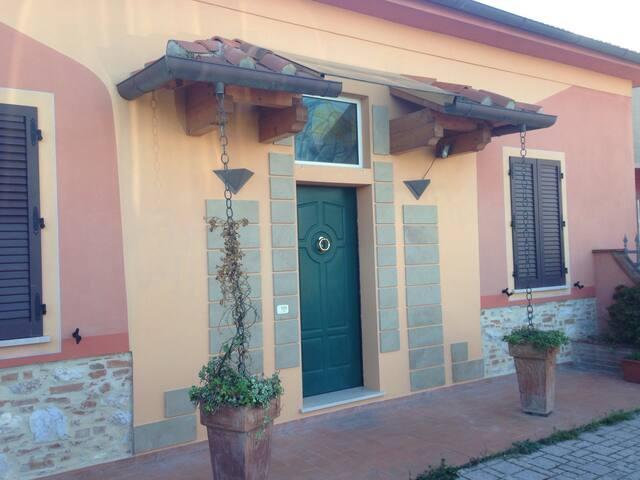 A metà strada tra Pisa e Lucca!!! - Case Sardina - Apartamento