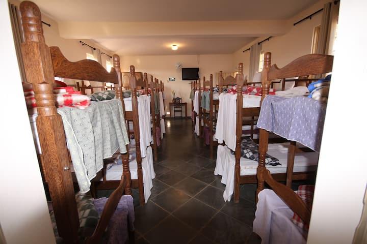 Dormitório 10 beliches - Pousada Espaço do Turista