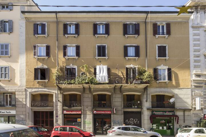 Palazzo \ building.