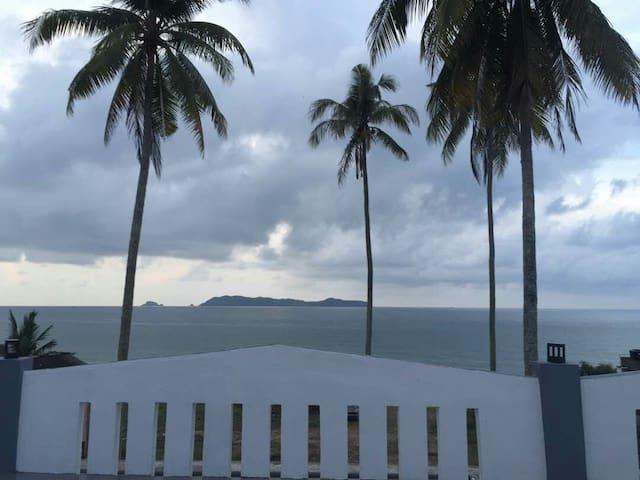 Aqil beach house