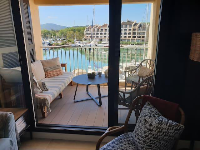 Appartement deux pièces vue port
