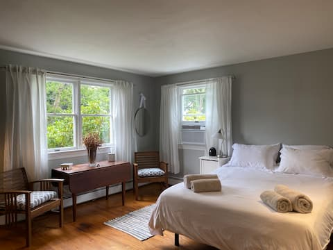 Farmhouse Guest Suite in the Heart of Bucks County