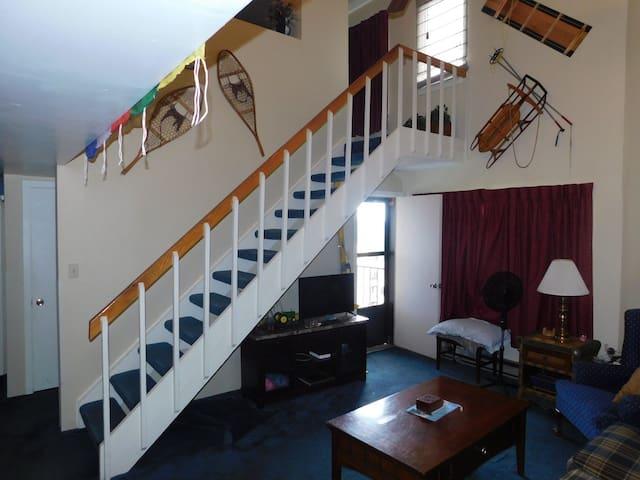 2 Bedroom w/Loft Silvercreek day/night skiing