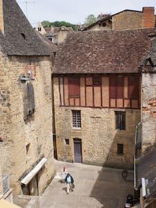 Centre historique Sarlat - Sarlat-la-Canéda - Lejlighed
