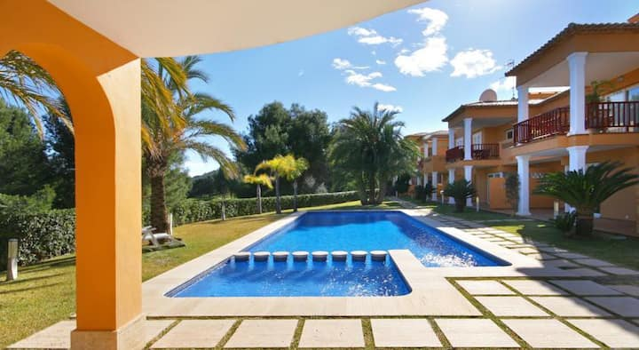 2 bed apartment on golf course