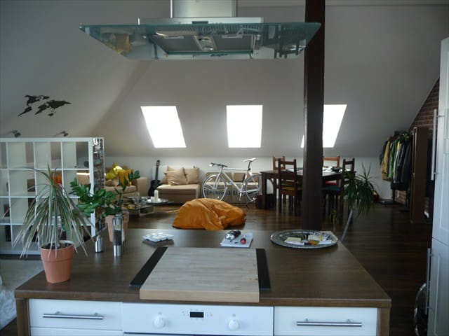Large One Bedroom Loft  - centrally located in N-I