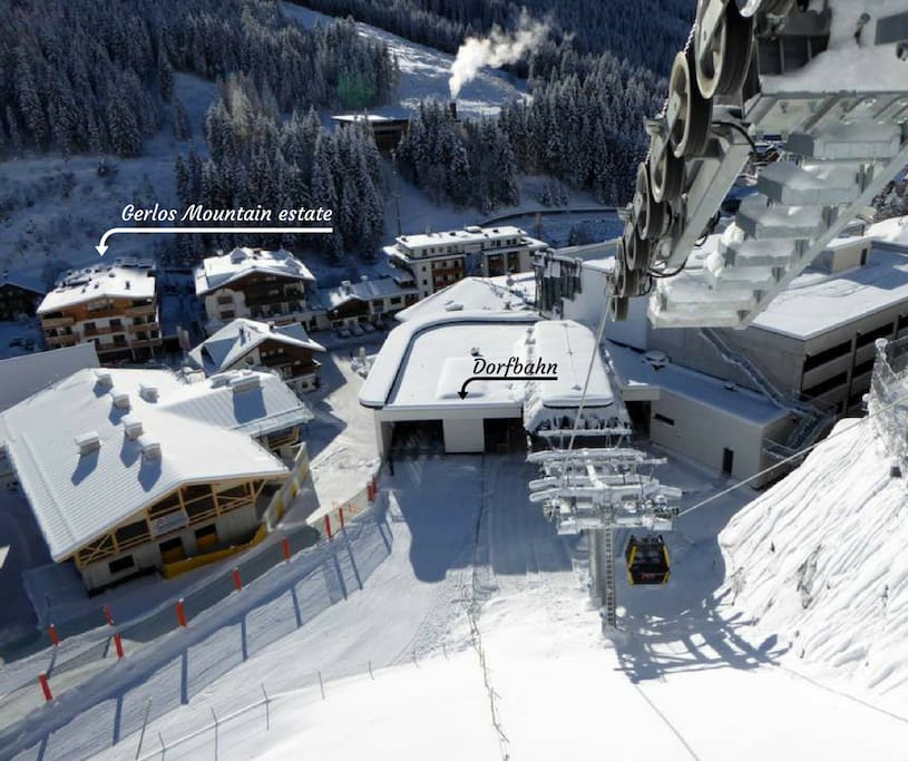 Just 1 minute walk to the Ski lift Dorfbahn. With a super modern Ski locker espacially for you!