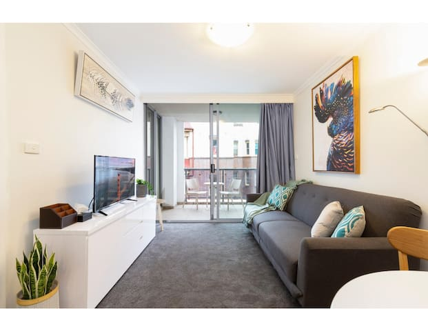 Resort Style CBD Apartment with Parking