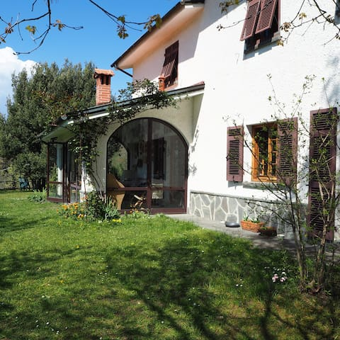 LA MOGGIA, an organic paradise with views - Varese Ligure - Natuur/eco-lodge