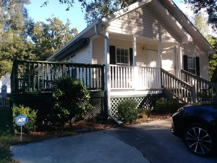 Lovely Home in Bluffton, SC - 4 Bed 2 Bath