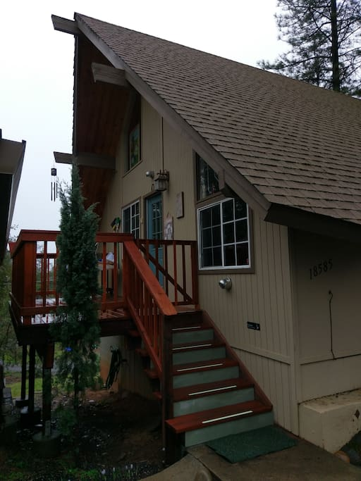 Cozy cabin in yosemite highlands cabins for rent in for Groveland ca cabin rentals