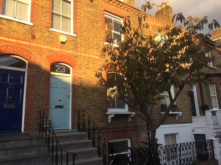 Richmond, Elegant TownHouse with Period features