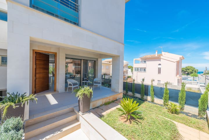 FORMENTERA 2 - Chalet with private garden in Can Picafort.