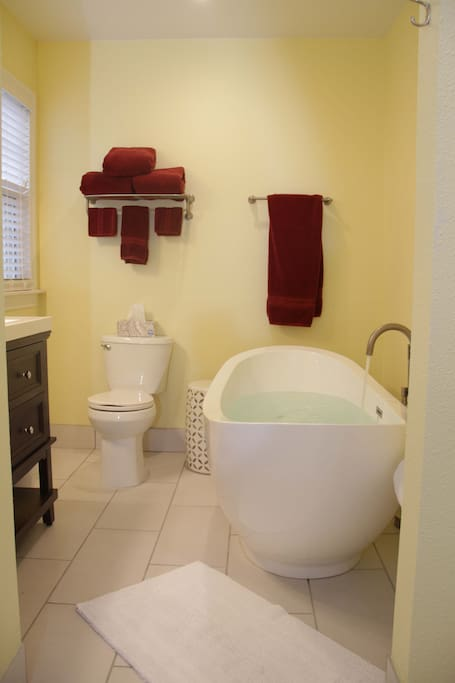 Sycamore Suite - bathroom