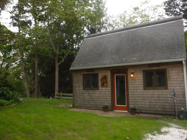 Barn Cottage on Minister Pond