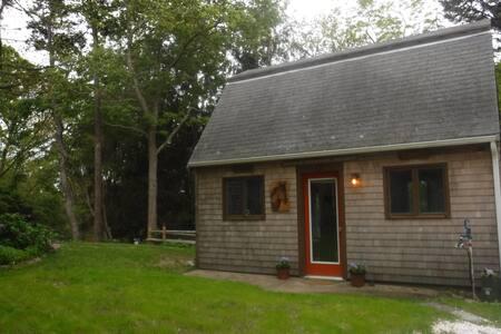 Barn Cottage on Minister Pond