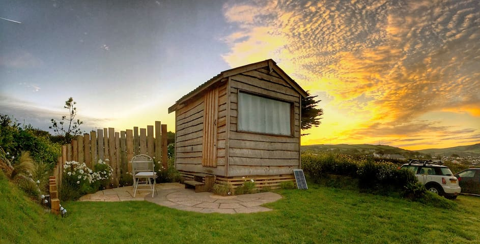 'The Getaway' Glamping Hut