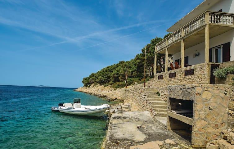 Nice Apartment 1 island Zirje with sea view