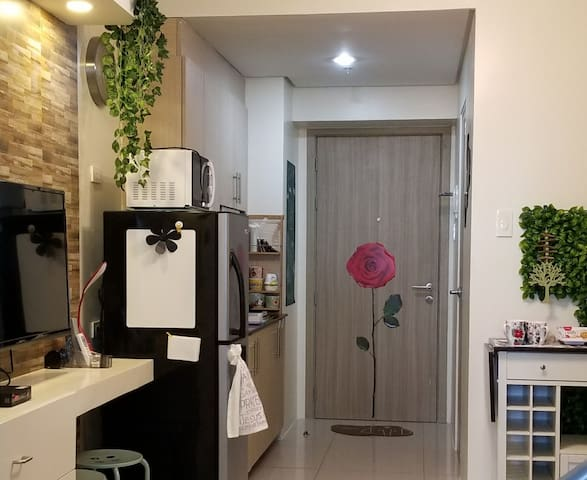WeHost @BreezeResidences 1BR Open Layout CondoUnit