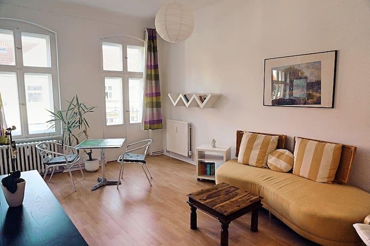Cozy and bright apartment in the heart of Neukölln - Berlín - Byt