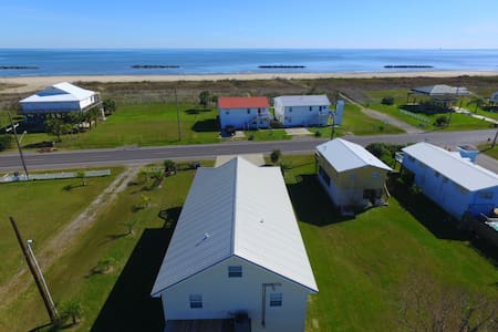 Cajun Yacht Club has a gulf view in Grand Isle - Grand Isle - Hús