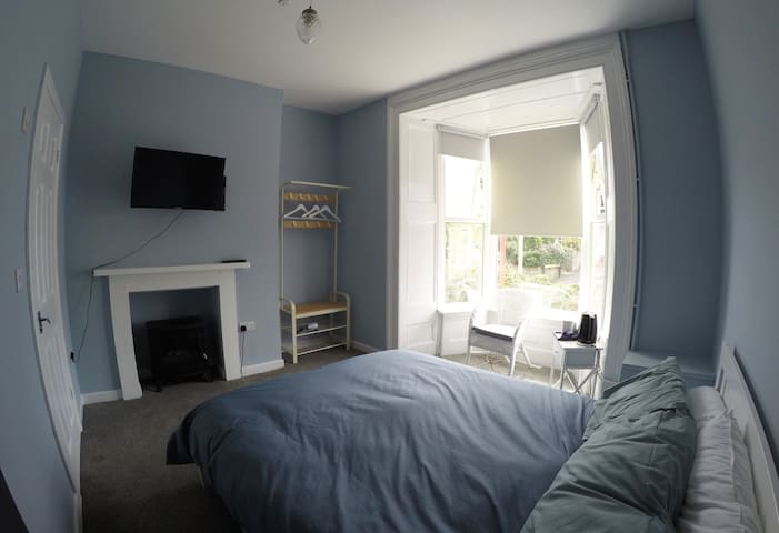 The Chapel House Hostel- Private Room & En Suite