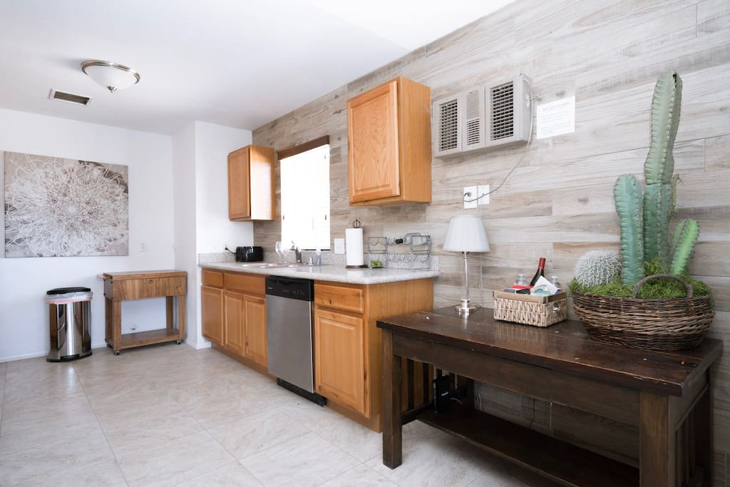 Fully equipped custom kitchen ready for any dinner you'd like to prepare!