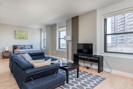 The Happiest Condo in Downtown Des Moines!