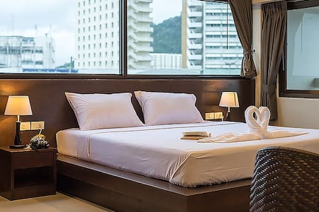 Deluxe double bed with City View - Phuket