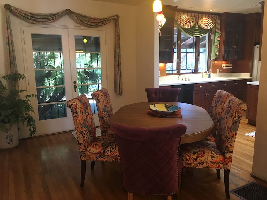 Dining area: Seats 6--easy access to kitchen and living room. Patio door leads to lovely outdoor area with more dining and seating.