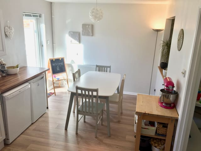 Private room with toilet near Goodwood/Chichester - West Sussex - Casa