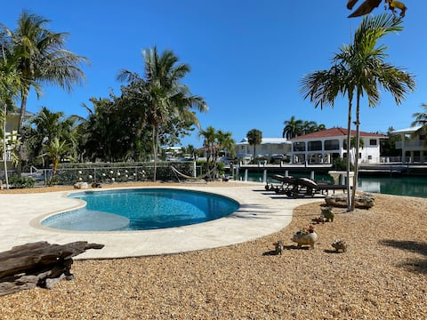 Canal Waterfront on Duck Key Private Dock & Pool.