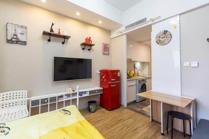 Cool Stay 独立整套美式风格豪华装修酒店式公寓 全新小区开车方便 新房特价 - Xangai
