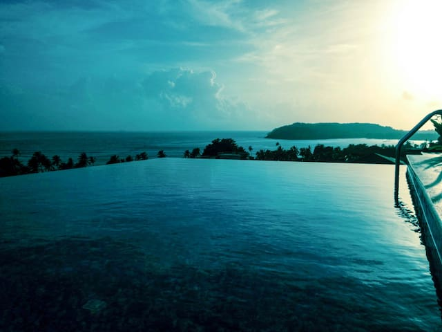 2 Sea Facing Luxury Villas with 2 Infinity Pools - Reis Magos