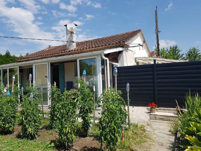 Maison entière à la campagne proche de la ville