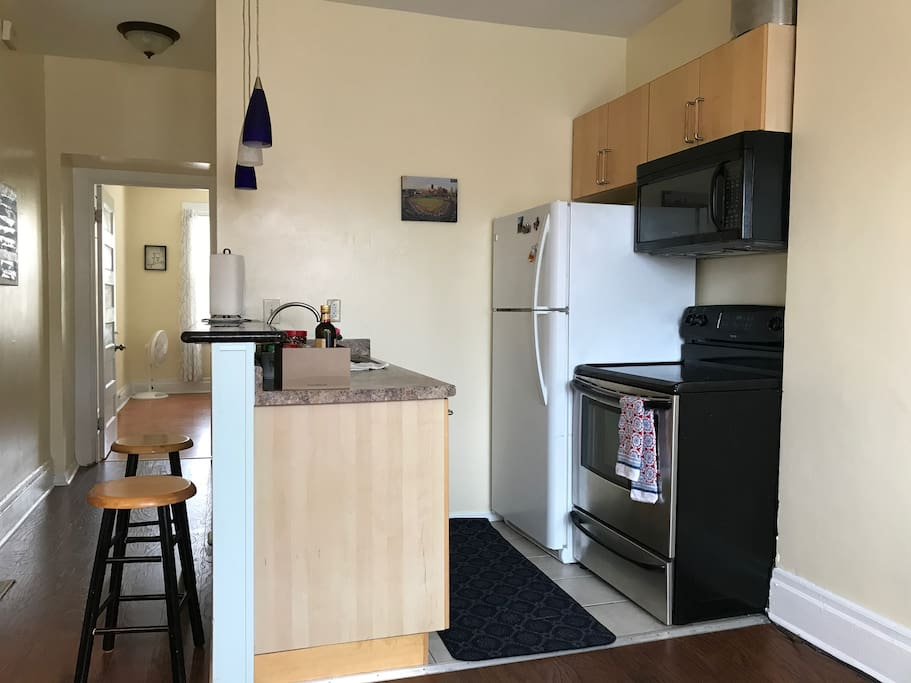Fully equipped kitchen with dish washer and food disposal
